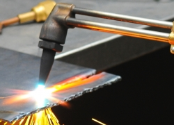 6 Best Plasma Cutters under $1000 – Fast and Clean Metal Cutting!