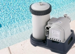 10 Powerful Pool Pumps – Get Your Pool Ready for the Hot Season!