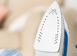 10 Best Steam Irons under $50 – Get Rid of Those Wrinkles on Clothes!