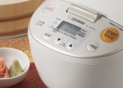 6 Magnificent Sushi Rice Cookers for Perfect Sticky Rice
