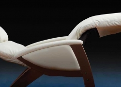 Top 10 Zero Gravity Chairs – Relax and Feel Weightless!