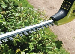 Top 5 Pole Hedge Trimmers to Reach Any Part of Your Hedge with Ease