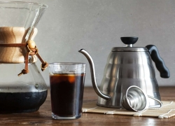 8 Great Pour Over Coffee Makers: Bring Out All The Flavor!
