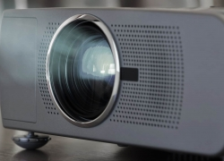 10 Great Projectors under $100 – Enjoy Good Image Quality Without Breaking the Bank