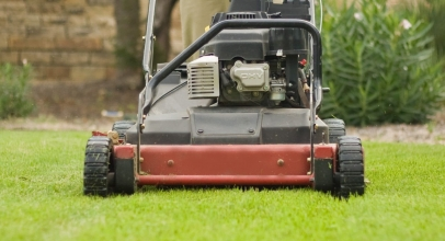 6 Best Lawn Mowers for Hills – Keep Your Steep Lawns in Top Condition