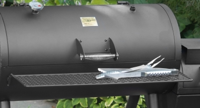 7 Premium Smokers under $1000 – Get Your Food Smoked in the Best Way Possible