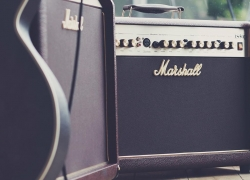 Top 7 Guitar Amps under $300 – The Best Bang for Your Buck