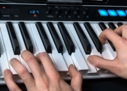 6 Greatest MIDI Keyboard Controllers for Logic Pro X Software – Reviews and Buying Guide