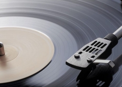 10 Great Record Players under $100 – Get Your Money's Worth