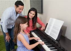 8 Outstanding 88-Key Weighted Keyboards –  Feel the Energy of a Classical Piano