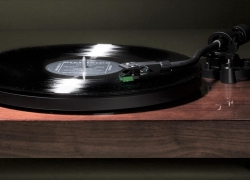7 Best Turntables under $1000 – Don't Cut Corners on Quality