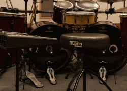 7 Awesome Drum Thrones for Gigs and Long Practice Sessions