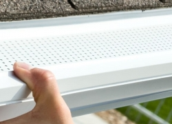 5 Secure Gutter Guards for Pine Needles – New Solution for an Old Problem