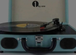 10 Excellent Portable Record Players – Let the Good Times Roll!