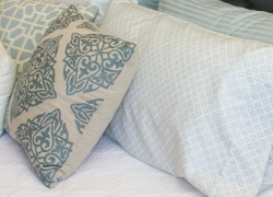 What to Do with Old Pillows to Put New Life into Them